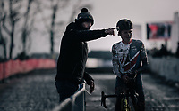 Tom Pidcock (GBR/U23/Telenet Fidea Lions) and team coach/DS Kris Wouters showing him where to go directly after Pidcock has won the race<br /> <br /> U23 Men's race<br /> UCI CX World Cup Namur / Belgium 2017