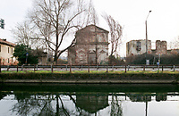 Corsico (Milano), lungo il Naviglio Grande e la strada Vigevanese, Oratorio di S. Maria Nascente presso la Cascina Guardia di Sotto, in stato di abbandono --- Corsico (Milan), along the Naviglio Grande canal, Oratorio di S. Maria Nascente at farmhouse Cascina Guardia di Sotto, in abandoned state