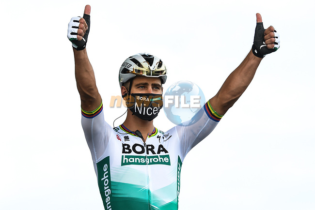 Peter Sagan (SVK) Bora-Hansgrohe at sign on before the start of Stage 1 of Tour de France 2020, running 156km from Nice Moyen Pays to Nice, France. 29th August 2020.<br /> Picture: ASO/Alex Broadway | Cyclefile<br /> All photos usage must carry mandatory copyright credit (© Cyclefile | ASO/Alex Broadway)