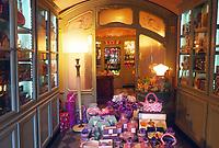 "- Parma, antica profumeria ""Il colore Viola""<br /> <br /> - Parma, ancient perfumery ""The color Purple""."