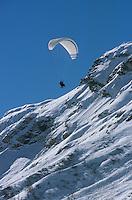 Europe/France/73/Savoie/Val d Isere: Parapente de l Ecole de Parapente d Eric Wyss seule école de parapente hivernale