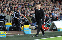 Pictured: Swansea manager Garry Monk Saturday 10 January 2015<br /> Re: Barclays Premier League, Swansea City FC v West Ham United at the Liberty Stadium, south Wales, UK