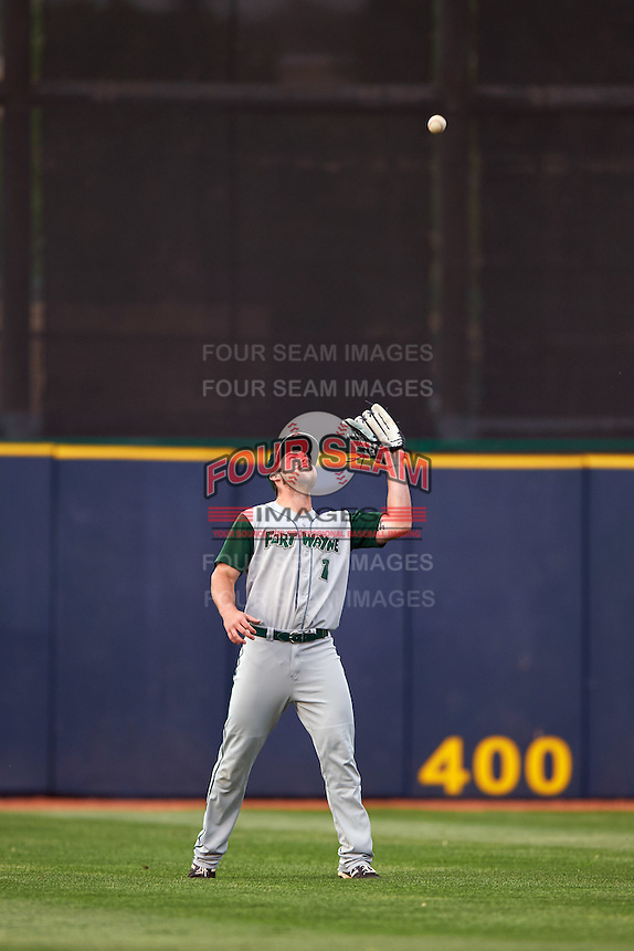 Fort Wayne TinCaps outfielder Michael Gettys (1) catches a fly ball during a game against the Lake County Captains on May 20, 2015 at Classic Park in Eastlake, Ohio.  Lake County defeated Fort Wayne 4-3.  (Mike Janes/Four Seam Images)