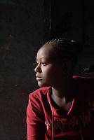 """ethiopia, addis abeba. Bambina, nel passato vittima di violenza sessuale, nella propria casa. Grazie all'aiuto dell'ong italiana """"Il Sole"""", è riuscita a riprendere la propria vita con fiducia..Girl, victim of sexual abuse, in her home, thank to the help from italian ngo """"Il Sole"""""""