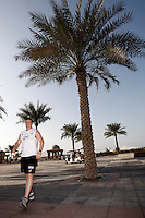 Photo: Richard Lane/Richard Lane Photography. London Wasps in Abu Dhabi for their LV= Cup game against Harlequins on 30th January 2011. 30/01/2011. Wasps' Shaun Rawers carrys out final preparations for the game during the walk though at the Emirates Palace Hotel.