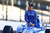 Verizon IndyCar Series<br /> Indianapolis 500 Qualifying<br /> Indianapolis Motor Speedway, Indianapolis, IN USA<br /> Monday 22 May 2017<br /> Scott Dixon, Chip Ganassi Racing Teams Honda poses for front row photos<br /> World Copyright: Phillip Abbott<br /> LAT Images<br /> ref: Digital Image abbott_indyQ_0517_21479
