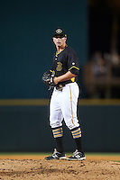 Bradenton Marauders relief pitcher Nick Neumann (22) gets ready to deliver a pitch during a game against the Lakeland Flying Tigers on April 16, 2016 at McKechnie Field in Bradenton, Florida.  Lakeland defeated Bradenton 7-4.  (Mike Janes/Four Seam Images)