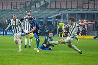 inter-juventus - Milano 2 febbraio 2021 - semifinale coppa italia - nella foto: sancehz al tiro e de ligt