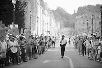 Versailles streets 30 minutes before riders drive-by<br /> <br /> Tour de France 2013<br /> (final) stage 21: Versailles - Paris Champs-Elysées<br /> 133,5km