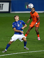 Football: Uefa Nations League Group A match Italy vs Netherlands at Gweiss stadium in Bergamo, on October 14, 2020.<br /> Italy's Nicolò Barella (l) in action with Netherlands' Memphis Depay (r) during the Uefa Nations League match between Italy and Netherlands s at Gweiss stadium in Bergamo, on October 14, 2020. <br /> UPDATE IMAGES PRESS/Isabella Bonotto