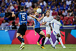 Chelsea Midfielder N'Golo Kante (R) fights for the ball with FC Internazionale Midfielder Borja Valero (C) during the International Champions Cup 2017 match between FC Internazionale and Chelsea FC on July 29, 2017 in Singapore. Photo by Marcio Rodrigo Machado / Power Sport Images