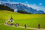 Oesterreich, Salzburger Land, Pinzgau, Maria Alm: die Jufenalm vorm Steinernen Meer | Austria, Salzburger Land, Pinzgau, Maria Alm: alpine pasture hut and restaurant Jufenalm, at background Steinernes Meer mountains