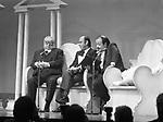 """ALDO FABRIZI, RENATO ALTISSIMO E MAURIZIO COSTANZO<br /> """"MAURIZIO COSTANZO SHOW"""" TEATRO PARIOLI ROMA 1983"""