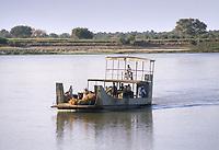 - northern Sudan, ferry on  river Nile <br /> <br /> - Sudan settentrionale, traghetto sul fiume Nilo