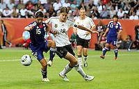 Wolfsburg , 100711 , FIFA / Frauen Weltmeisterschaft 2011 / Womens Worldcup 2011 , Viertelfinale ,  Deutschland (GER) - Japan (JPN) .Kerstin Garefrekes (GER) gegen Aya Sameshima (JPN) .Foto:Karina Hessland .