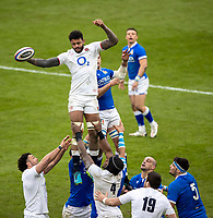 13th February 2021; Twickenham, London, England; International Rugby, Six Nations, England versus Italy; Courtney Lawes of England wins a line out