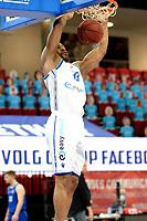 27-02-2021: Basketbal: Donar Groningen v Den Helder Suns: Groningen dunk Donar speler Juwann James
