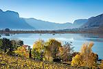 Italy, Alto Adige - Trentino (South Tyrol), picturesque hills surrounding the Lake of Caldaro | Italien, Suedtirol, malerische Huegellandschaft um den Kalterer See