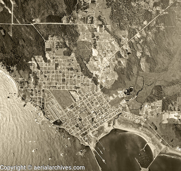 historical aerial photograph Crescent City, California, 1955