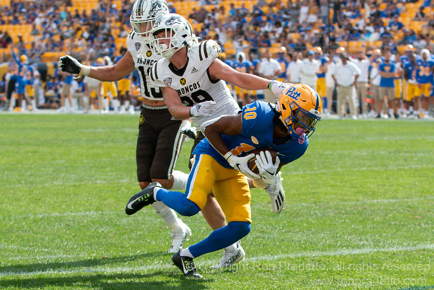 Pitt wide receiver Jaylon Barden scores on a 22-yard touchdown reception. The Western Michigan University Broncos defeated the Pitt Panthers 44-41 at Heinz Field, Pittsburgh, Pennsylvania on September 18, 2021.