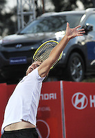 BOGOTA – COLOMBIA – 18-07-2014: Richard Gasquet de Francia se prepara para servir a Victor Estrella de Republica Dominicana,  durante partido de cuartos de final del Open Claro Colombia de tenis ATP 250, que se realiza en las canchas del Centro de Alto Rendimiento en Altura en ciudad de Bogota. / Richard Gasquet of France, prepared to serve to Victor Estrella of Dominican Republic, during a match for the quarter of finals of the Open Claro Colombia de tenis ATP 250, at Centro de Alto Rendimiento en Altura in Bogota City. Photo: VizzorImage / Luis Ramirez / Staff.