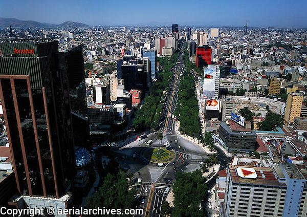 aerial photograph of the Avantel tower at the La Palma glorietta, Paseo de La Reforma Avenue, Mexico City | fotografía aérea de la torre Avantel en la glorieta de La Palma, Avenida Paseo de La Reforma, Ciudad de México