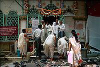 Tempelbesucher, Bombay (Mumbai), Indien
