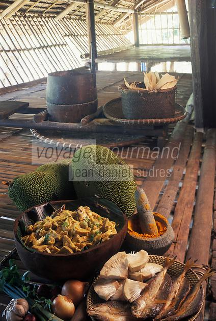 """Asie/Malaisie/Bornéo: Poisson séché et fruit de Jaquet au lait de coco (nangka ikan masin) - Recette de Michael Khing San Gondihan chef du restaurant """"Kiranau"""""""