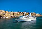 Malta, Valetta: Ziel vieler Kreuzfahrtschiffe der Grand Harbour | Malta, Valetta: cruise ship at Grand Harbour