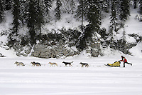 Mitch Seavey on Fish River After Leaving White Mt..2004 Iditarod
