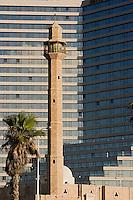 Asie/Israel/Tel-Aviv-Jaffa: Mosquée du Front de mer devant l'Hotel David Intercontinental