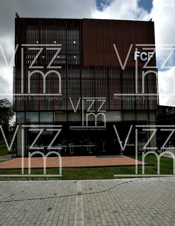 BOGOTA - COLOMBIA -06 -11-2013: La Federacion Colombiana de Futbol (FCF), inauguro su sede deportiva en la ciudad de Bogota. El complejo deportivo consta de hotel, sala de de juegos, sala de televisión, 6 salas de reuniones, 1 bloque administrativo y zonas comunes, oficinas, camerinos, restaurante, gimnasio, zona medica, lavandería, auditorio, sala de conferencias de prensa, campo de futbol sintetico, campo de futbol natural. / The Colombian Football Federation (FCF), inaugurated the Sports Headquarters in the city of Bogota. The sports complex consists of a hotel, game room, TV room, 6 meeting rooms, one administrative block and common areas, offices, dressing rooms, restaurant, gym, medical area, laundry facilities, auditorium, press conferences, field synthetic football, football field naturally. / Photo: VizzorImage / Luis Ramirez / Staff.