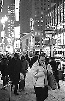 New York is hit by a winter storm and the city is blanketed in white snow. New Yorl, New York, USA, January 2004 © Stephen Blake Farrington