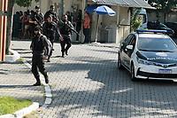 Rio de Janeiro (RJ), 06/05/2021 - Crime-Rio - Grande apreensão de armas, drogas e muita munição chega a Cidade da Polícia no Rio de Janeiro, nesta quinta-feira (06). A apreensão é resultado da operação no Jacarezinho que deixou 14 suspeitos mortos e dois policias feridos.