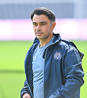 head coach Johan Walem of Anderlecht pictured during a female soccer game between RSC Anderlecht Dames and Sporting Charleroi  on the second matchday of the 2021 - 2022 season of Belgian Womens Super League , saturday 28 th of August 2021  in Brussels , Belgium . PHOTO SPORTPIX   DAVID CATRY