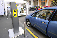 """- Milano, esposizione dimostrativa di auto elettriche """"Elettrocity""""<br /> <br /> - Milan, demonstrative exhibition  of electric cars """"Elettrocity"""""""