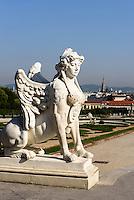 Blick über französischen Garten und unteres Belvedere auf Wien,  Österreich, UNESCO-Weltkulturerbe<br /> French garden and lower Belvedere in Baroque summer residence Belvedere, Vienna, Austria, world heritage
