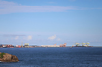 VITÓRIA, ES, 29.12.2019 - ECONOMIA-ES - Porto de Tubarão, visto da Ilha do Frade, em Vitória - ES, neste domingo, 29. (Foto Charles Sholl/Brazil Photo Press)