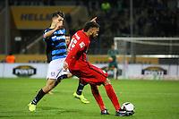 Michael Hector (Eintracht Frankfurt) klärt vor Cagatay Kader (FSV Frankfurt)- 10.11.2016: FSV Frankfurt vs. Eintracht Frankfurt, Frankfurter Volksbank Stadion