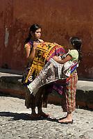 Guatemala, Straßenhändlerin  in Antigua