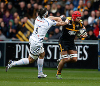 Photo: Richard Lane/Richard Lane Photography. Wasps v Exeter Chiefs.  European Rugby Champions Cup Quarter Final. 09/04/2016. Wasps' James Haskell breaks from Chiefs' Don Armand.