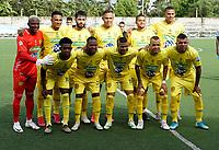 SAN ANDRES-COLOMBIA, 02-11-2020: Jugadores de Itagüi Leones F. C., calientan previo al partido entre Real San Andres y Tigres F. C., por la fecha 15 del Torneo BetPlay DIMAYOR 2020 en el estadio Erwin O´Neil de la ciudad de San Andres. / Players of Itagüi Leones F. C., warm up prior a match between Real San Andres y Tigres F. C., for the 15th date of the BetPlay DIMAYOR 2020 Tournament  at the Erwin O´Neil stadium in San Andres city. / Photo: VizzorImage / John Hudson / Cont.