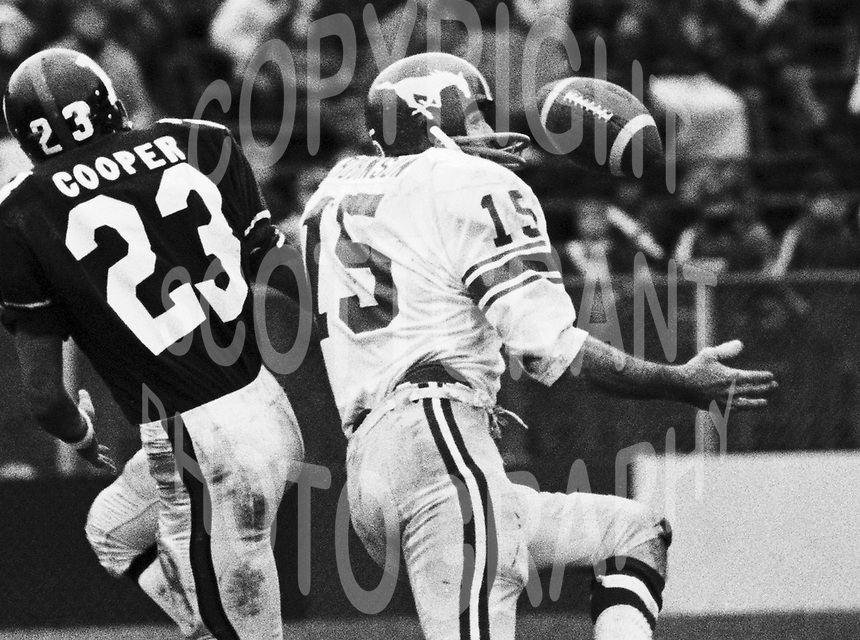 Larry Robinson Calgary Stampeders 1972. Copyright photograph Scott Grant