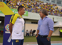 BARRANCABERMEJA  - COLOMBIA, 12-10- 2019.César Torres (Izq.) director técnico de Alanza Petrolera y  Alberto Gamero director técnico del Deportes Tolima.Alianza Petrolera y Deportes Tolima  durante partido por la fecha 17 de la Liga Águila II 2019 jugado en el estadio Daniel Villa Zapata de la ciudad de Barrancabermeja. /Action game between Alianza Petrolera  and Deportes Tolima  during the match for the date 17 of the Liga Aguila II 2019 played at the Daniel Villa Zapata Stadium in Barrancabermeja  city. Photo: VizzorImage / José Martínez  / Contribuidor