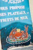 EuEurope/France/Picardie/80/Somme/Baie de Somme/ Le Crotoy: détail étal des marchands de coquilllages