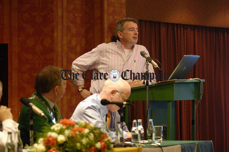 Ryanair CEO Michael O Leary speaking at  the Clare Tourist Council conference in the Falls Hotel, Ennistymon. Photograph by John Kelly.