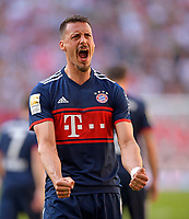 07.04.2018, Football 1. Bundesliga 2017/2018, 29.  match day, FC Augsburg - FC Bayern Muenchen, in WWK-Arena Augsburg. celebration, celebrates, celebrationd, Freude, celebration, Emotion, , celebrates, feiern, Sieg, feiernd, ,  Sandro Wagner (FC Bayern Muenchen). *** Local Caption *** © pixathlon<br /> <br /> Contact: +49-40-22 63 02 60 , info@pixathlon.de