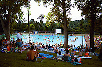 Deep Eddy Pool is popular with adult recreational swimmers for its lap swimming pool and with children for its large wading pool. The pool is fed with clear, cold water from a hand-dug 35-foot (11 m) well, and is not chlorinated. Water temperature varies between 65 to 75 °F. The lap swimming pool is generally open during daylight hours all year, though hours are shortened during winter months.
