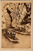 Europe/Europe/France/Midi-Pyrénées/46/Lot/Padirac: Gouffre de Padirac - Promenade en barque sur la rivière souterraine -- Vieille carte Postale Collection Société du Gouffre de Padirac  -Reproduction - Autorisation nécessaire