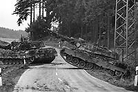 - NATO exercises in Germany, German Army Leopard  tanks (October 1983)....- esercitazioni NATO in Germania, carri armati Leopard dell'esercito tedesco (ottobre 1983)